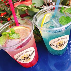 キャンディベースドライブインカフェのCBクラッシュゼリーソーダはピンクとブルー